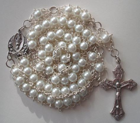 White pearl with Angels Miraculous medal and grapes crucifix