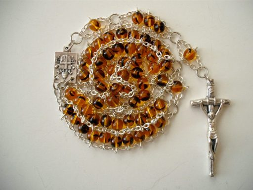Tortoise Druk Glass with JPII center and Papal Crucifix